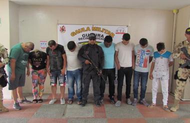 Integrantes de la banda denominada La Empresa en el municipio de Maicao.