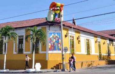 Fachada de la Casa del Carnaval, en el Barrio Abajo.