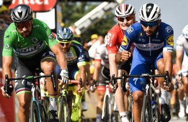 Fernando Gaviria (derecha), ganador de dos etapas.
