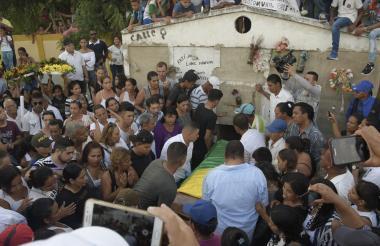 Sepelio de Luis Barrios, líder social asesinado en el municipio de Palmar de Varela,