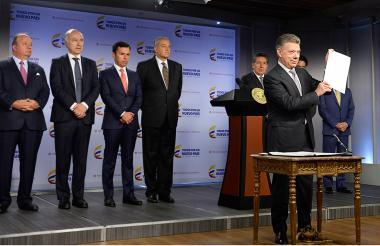 Juan Manuel Santos anunció la Ley de Sometimiento a la Justicia.