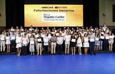 Un grupo de 77 jóvenes recibió la beca Orgullo Caribe de la Universidad del Norte.
