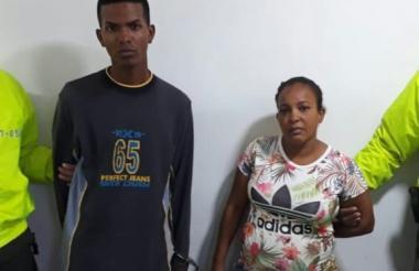 Los capturados con droga en su casa.