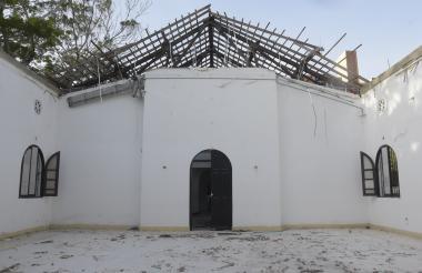 Interior de uno de los salones del bloque Pedro Biava, donde su techo se vino abajo el pasado 2 de marzo.