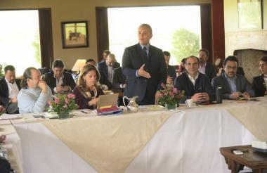 El presidente electo Iván Duque reunido con su gabinete.