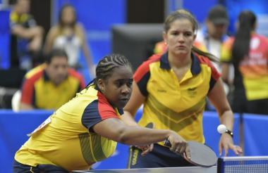 Paula Medina y Luisa Zuluaga durante su juego en semifinales ante Cuba.