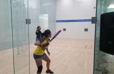 La boliviana Adriana Riveros en acción.
