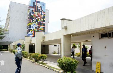 Fachada del hospital Universitario Cari.