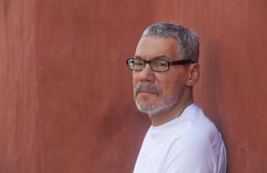 El escritor cartagenero Roberto Burgos, director de Creación Literaria de la Universidad Central.
