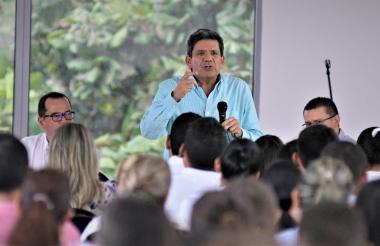 José Oswaldo Bonilla, delegado de la Supersalud durante su intervención.