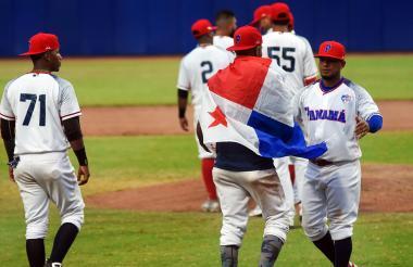 Jugadores panameños tras el juego.