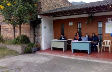Mesas instaladas en el municipio boyacense de Tasco.