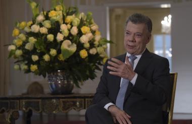 El saliente presidente de Colombia, Juan Manuel Santos.