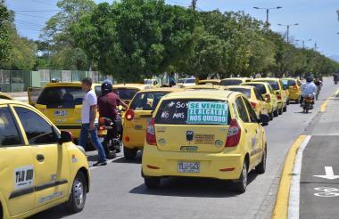 Vista de la protesta de taxistas en Valledupar.
