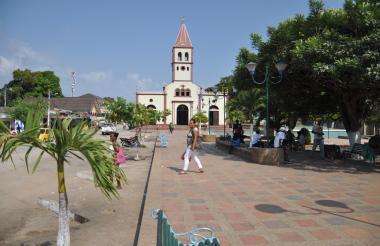 La Defensoría del Pueblo advierte de la consolidación de las AGC en San Onofre.