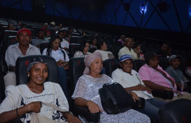Familiares, líderes y actores de la comunidad wayuu disfrutaron de la premier de 'Pájaros de Verano'.