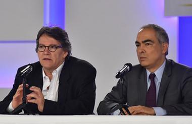 Rueda de prensa sobre la finalización del sexto ciclo de conversaciones con el ELN , liderada por el jefe del equipo negociador del Gobierno, Gustavo Bell y del alto comisionado para la Paz, Rodrigo Rivera.