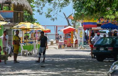 Calle del barrio El Muelle que será demolida para la ampliación de la plaza.