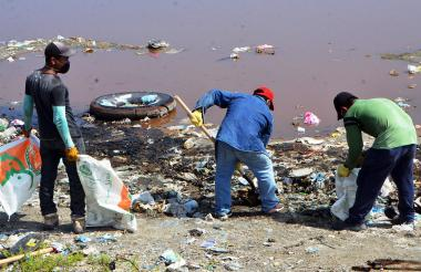 Un total de 10 toneladas de basuras y residuos sólidos fueron recogidos en el barrio Adonai, de Tasajera.