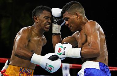 José Soto (d) en su última pelea ante José Jiménez.