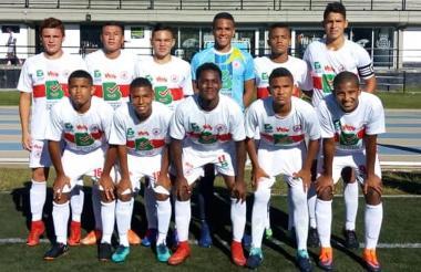 Selección Atlántico de Fútbol pre-juvenil previo al inicio del partido de la semifinal ante Tolima.