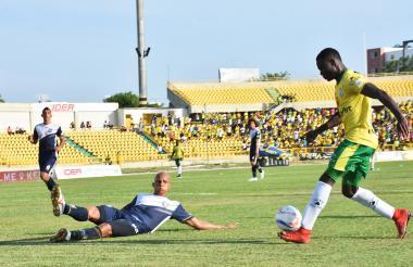 Acción del primer gol del Real Cartagena.