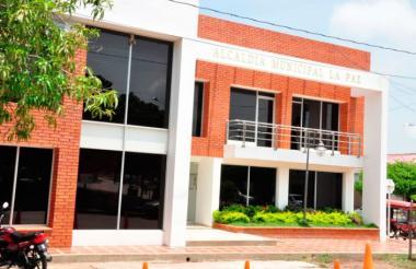 Fachada de la sede de la Alcaldía de La Paz, Cesar.