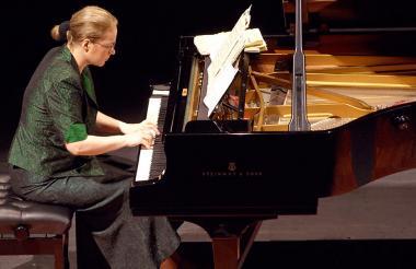Ewa Pobłocka, pianista polaca nacida en Chełmno.