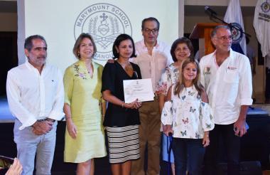 Francisco Posada, Vicky Ibáñez, Anabella Martínez, Fernando Carrillo, Nancy Murgas, Elsa Noguera y Eduardo Verano durante la ceremonia de ayer.