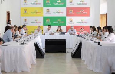 Los gobernadores durante la reunión con la ministra de Minas, en Cartagena.