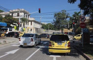 Semáforo ubicado en la carrera 50 con calle 70.
