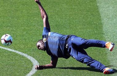 Bolt en el entrenamiento con el Central Coast Mariners.