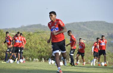 El defensor Rafael Pérez durante un entrenamiento con el Junior en la sede.