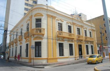 Fachada de la sede administrativa del Distrito Turístico Cultural de Riohacha.