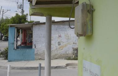 Los habitantes del barrio Las Flores aseguran que varios contadores se encuentran en mal estado.