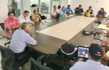 Miembros del Comité durante la reunión de este jueves.
