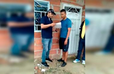 Momento de la captura de Armando José Castro Maldonado en el barrio Santuario por parte de funcionarios del CTI de la Fiscalía.
