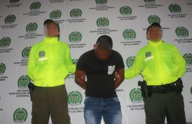 El presunto delincuente capturado.