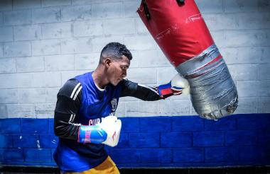 El boxeador de Maracaibo Dervin Rodríguez Trespalacios llegó hace dos meses al gimnasio Cuadrilátero.