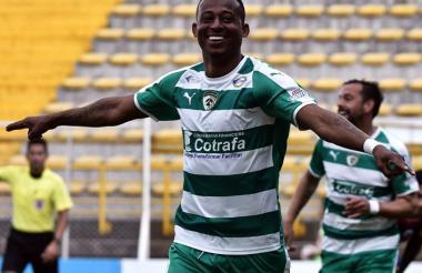 Carlos Peralta, goleador y figura de Equidad.