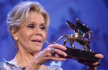 Jane Fonda recibió el León de Oro en el 74º Festival de Cine de Venecia.
