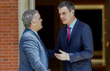 El presidente Iván Duque con el jefe de gobierno español, Pedro Sánchez.