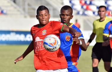 Acción del juego entre Barranquilla F.C. y la U. de Popayán.