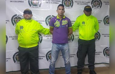 El capturado en la foto de reseña de las autoridades.