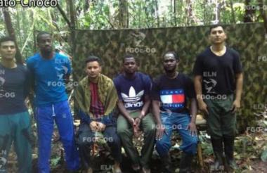 Los tres policías, un soldado y dos contratistas secuestrados.