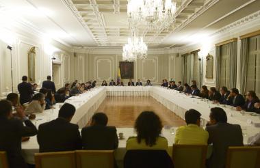 Aspecto de la reunión del presidente Duque con los líderes de los promotores de la Consulta Anticorrupción, realizada en el Palacio de Nariño.