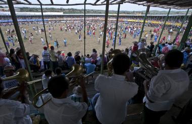 Aspecto de una corrida de toros un 20 de enero en Sincelejo, donde las graderías son colmadas por miles de personas.