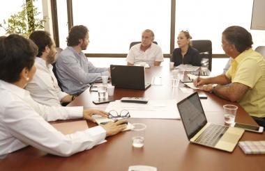 Aspecto de la reunión entre Verano y los representantes de las fundaciones.