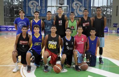 Los integrantes de la selección Atlántico sub-15.