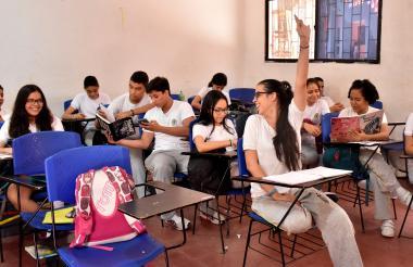 Estudiantes de undécimo grado de la Humboldt durante una clase.